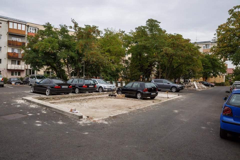 Clujenii din Gheorgheni și-au demolat singuri garajele – FOTO