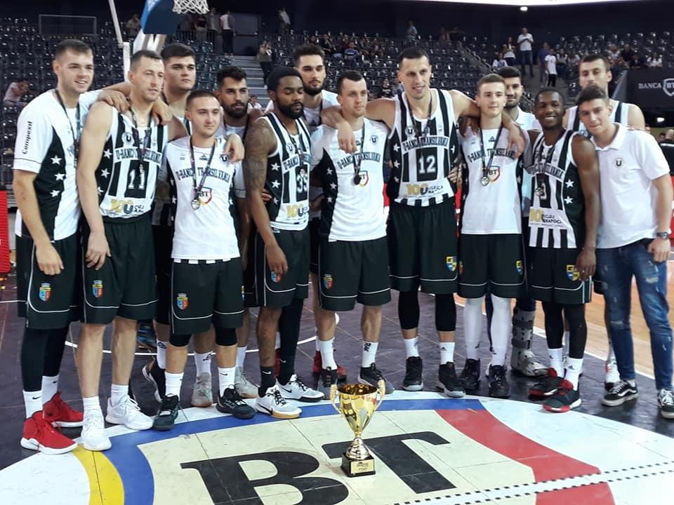 Arbitraj-problemă în finala mică a turneului de baschet League of the 4. U-BT Cluj-Napoca, locul 3 după retragerea în sfertul trei a echipei Mornar Bar, nemulțumită de arbitraj