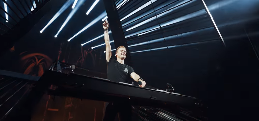 "S-a lansat videoclipul piesei ""Something Real"", imnul UNTOLD 2019, compus de Armin van Buuren! VIDEO"