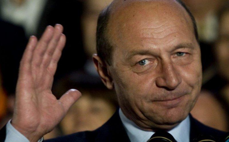 """Traian Băsescu a fost colaborator al Securităţii. Replica fostului preşedinte: """"O iau ca atare. O voi contesta"""""""