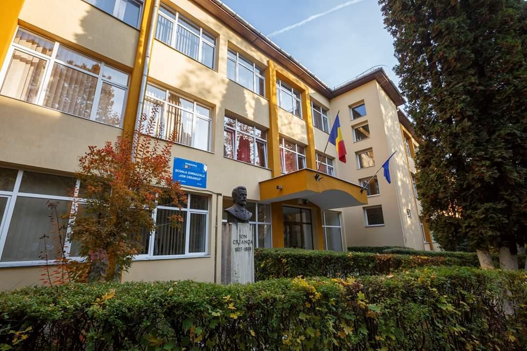 Școala Ion Creangă din Cluj a primit un sistem de iluminat modern