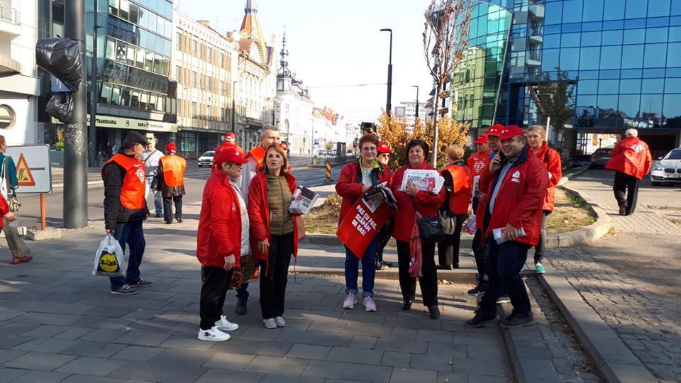 Tot cu pensionari, tot cu pensionari?! PSD Cluj și-a scos electoratul de bază în campanie electorală pe străzile Clujului pentru susținerea Vioricăi Dăncilă