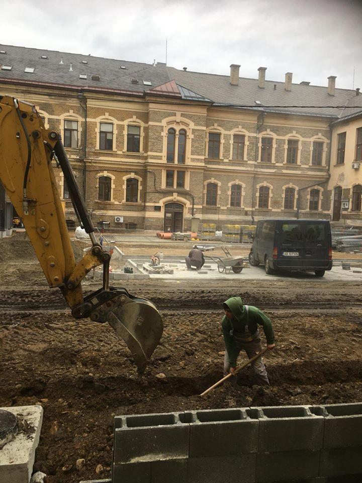 Veste bună. Se asfaltează curtea Spitalului Clinic Județean Cluj