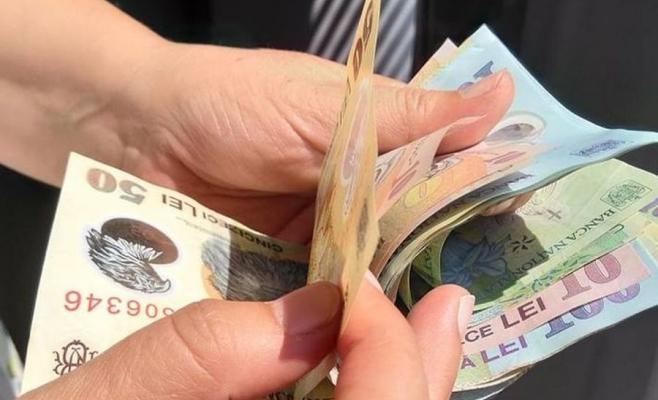 OFICIAL. Salariul minim brut crește de la 1 ianuarie 2020! Angajații cu studii superioare mai așteaptă majorarea