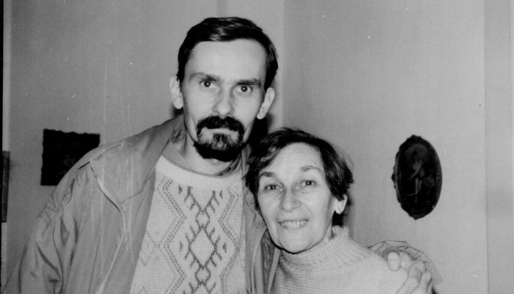 """Fiul Doinei Cornea solicită sprijin pentru înființarea unei fundații care poartă numele fostei disidente a regimului comunist. """"E trist ca un fiu să-și împartă mama cu milioane de frați!"""""""