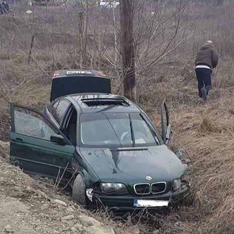 Urmărire ca-n filme în Cluj. Un șofer de 29 ani cu BMW, fără permis, a fugit de poliție și a fost urmărit de șapte mașini. S-a deschis și focul