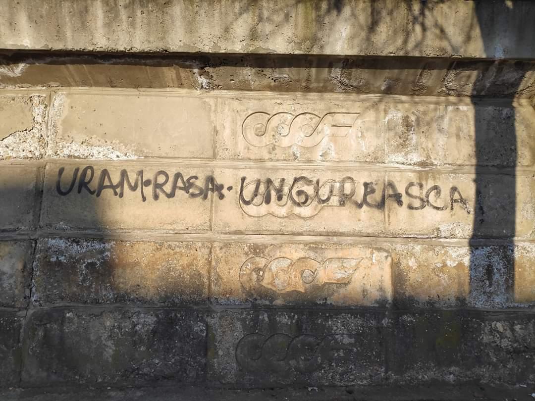Mesaj anti-maghiar la Cluj-Napoca, pe strada Gării, eliminat de primărie – FOTO
