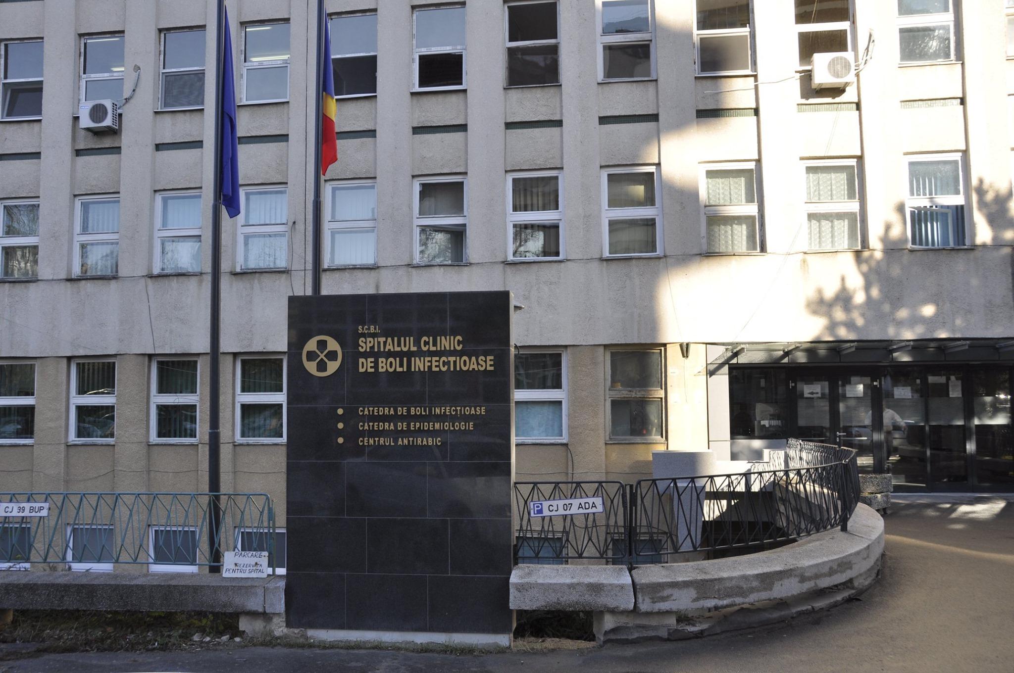 Bărbat din Covasna, suspect de coronavirus, adus la Cluj pentru verificări