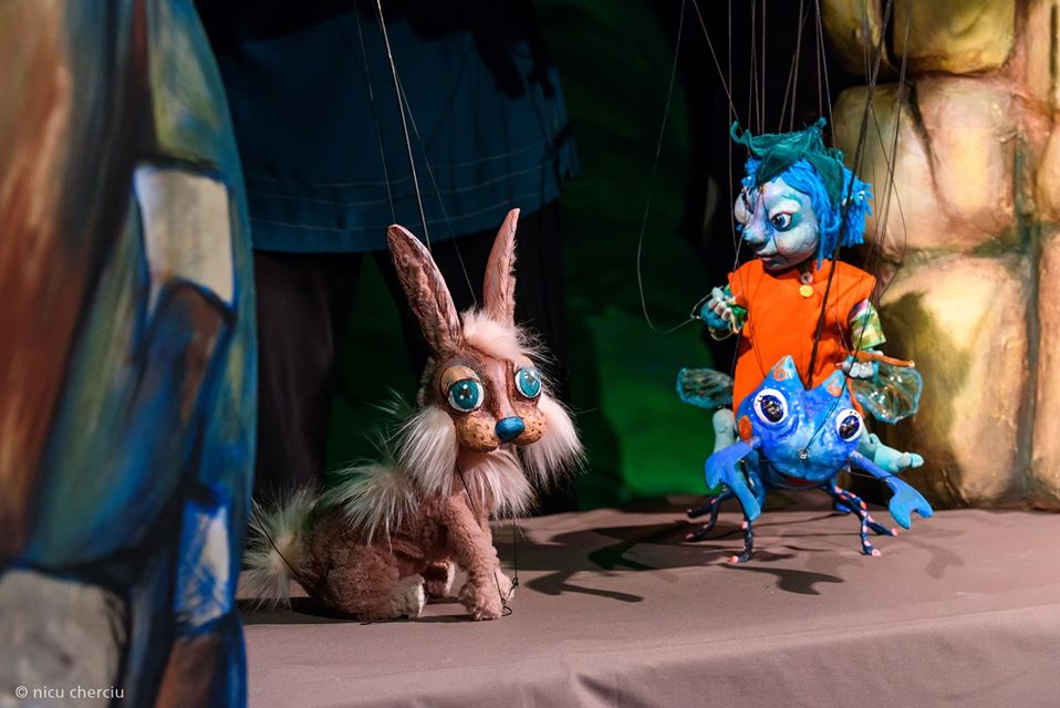 """Două spectacole îndrăgite de cei mici revin la Teatrul """"Puck"""" în weekend: """"Ursulețul Winnie Pooh"""" și """"Spiridușul voinic"""""""
