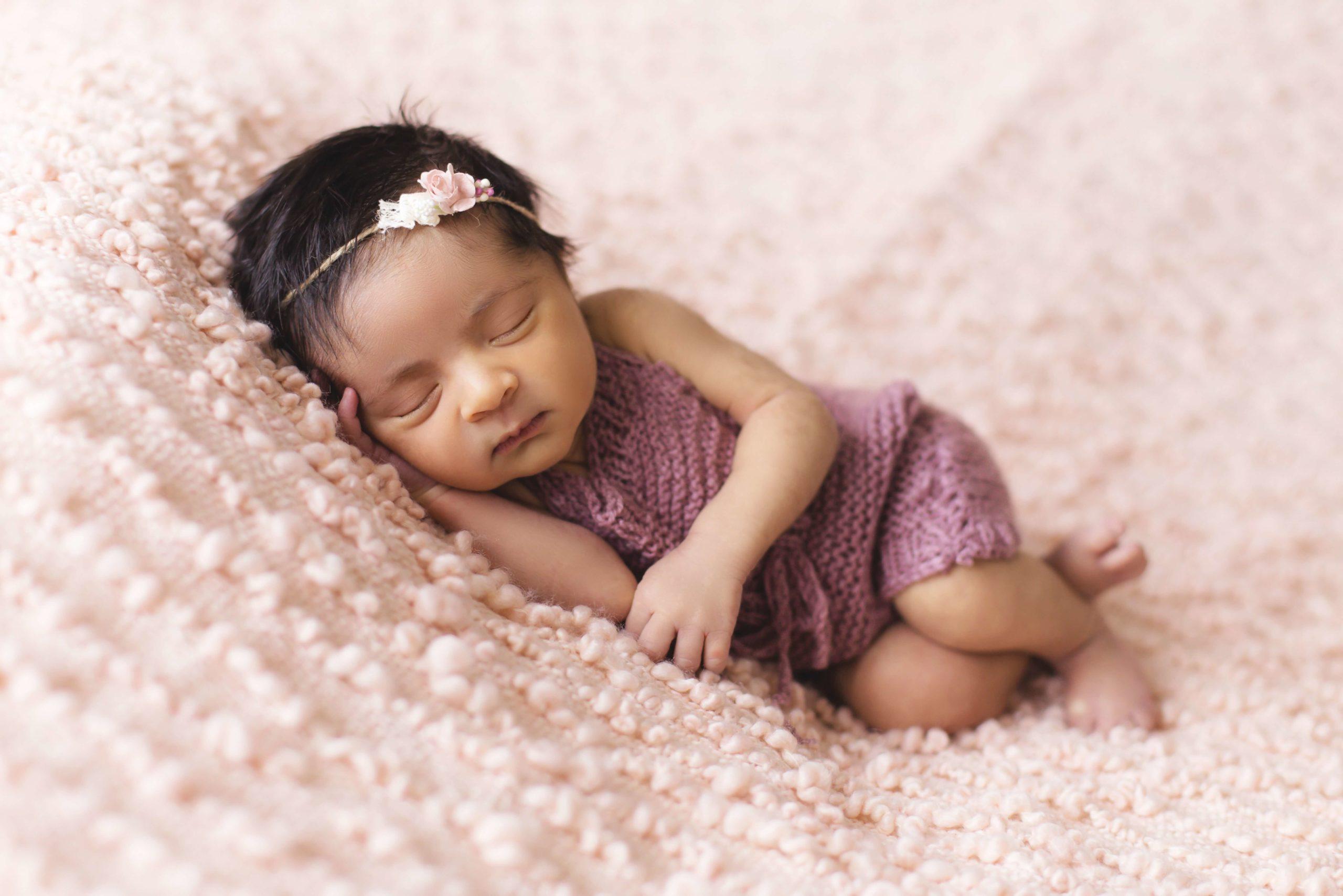 5 articole vestimentare pe care orice mămică ar trebui să le aibă pentru nou-născutul ei