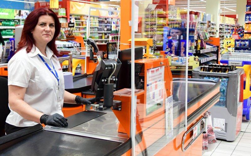 Hipermarketul Cora a instituit o limită la anumite produse pentru a descuraja specula