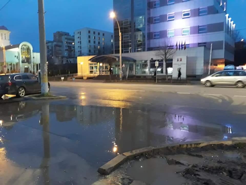 """#ClujSmartCity. Canalizările nu fac față în """"orașul de cinci stele"""". """"Inovarea"""" sistemului de canalizare pe când? – FOTO"""