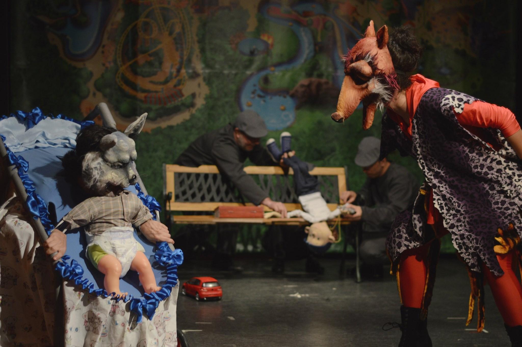 "Spectacole online oferite gratuit de Teatrul de păpuși ""Puck"""