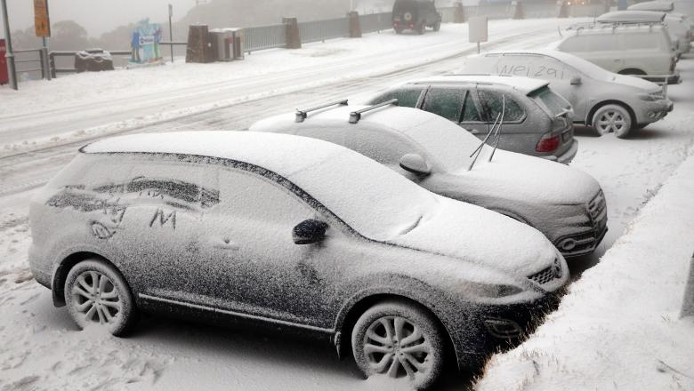 Iarna se întoarce în acest weekend în toată țara. Temperaturile vor scădea cu 20 de grade și va ninge