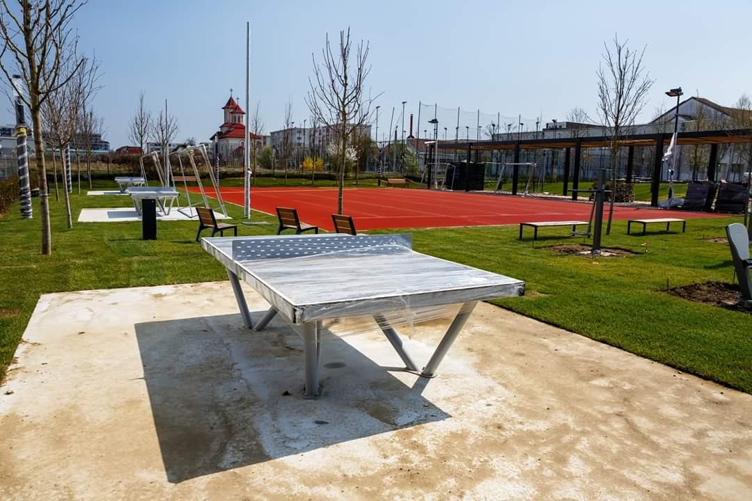 În plină pandemie, Primăria Cluj-Napoca a finalizat noul parc de 9400mp din Între Lacuri