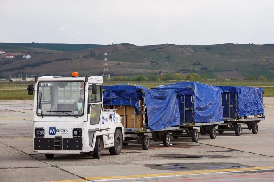 Peste 1.3 milioane de echipamente de protecție pentru personalul medical în valoare de 3.8 milioane de lei au ajuns la Cluj din China