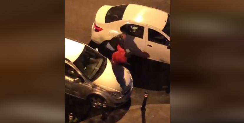 BUCUREȘTI, 2020. Abuzul  Poliției Române în vremuri de pandemie. Tânăr bătut pe stradă de un polițist pentru că a ieșit afară după 22:00 – VIDEO ȘOCANT