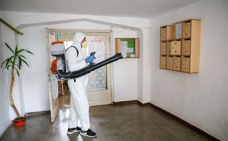 Miercuri va fi reluată dezinfecția blocurilor din Cluj-Napoca. Care este lista adreselor programate?