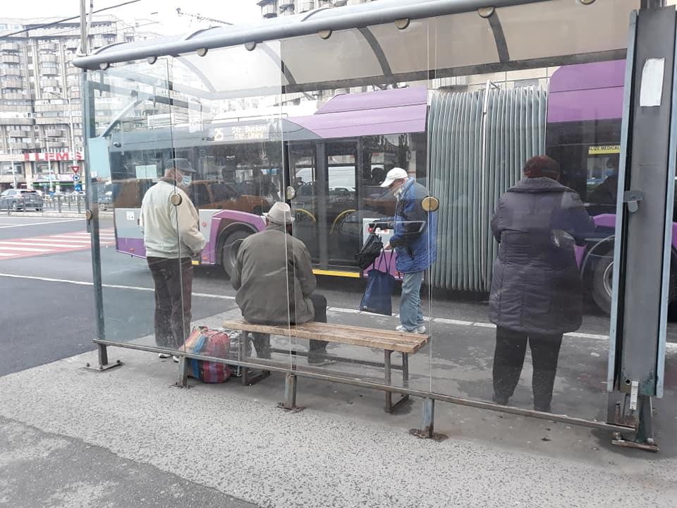 Pensionarii clujeni nu mai pot merge gratuit cu autobuzul dimineața între 06:30 – 08:30! Au fost stabilite și noi plafoane de transport