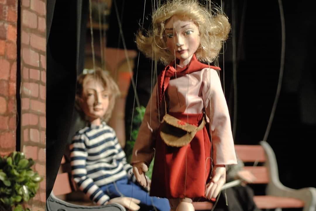 """""""Fata babei și fata moșului"""" și """"Strada cu îngeri"""", între spectacolele online ale Teatrului """"Puck"""""""