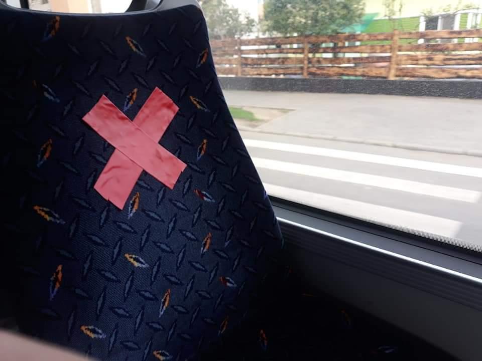 La Cluj-Napoca s-a început aplicarea măsurilor de distanțare socială în mijloacele de transport în comun