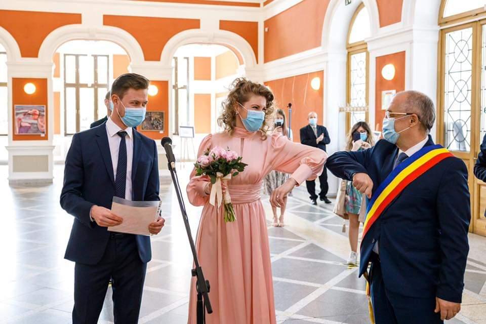 Căsătorii în vremea pandemiei. 7 cupluri clujene și-au unit destinele sâmbătă, în primul weekend al stării de alertă