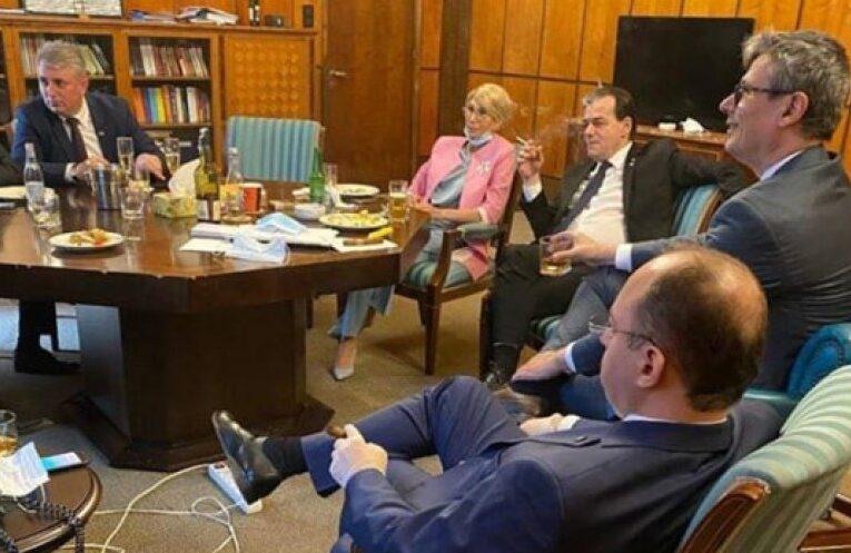 Guvern: Premierul Orban a plătit două amenzi pentru fumat și nepurtarea măști în spații închise