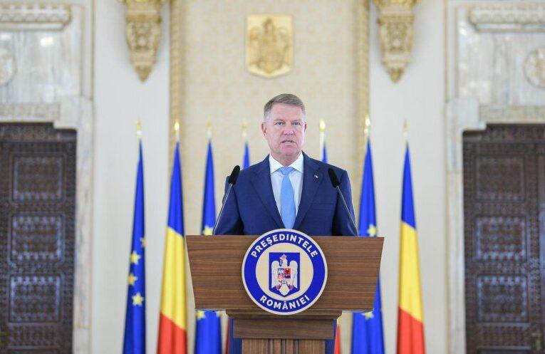 """Apel la unitate în mesajul președintelui de Ziua Românilor de Pretutindeni: """"E nevoie de toţi, din ţară şi străinătate, pentru a construi România"""""""