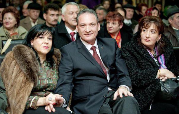 Din rău în mai rău pentru PSD Cluj. Controversatul politician și traseist Alexandru Cordoș, cercetat în trei dosare de corupție și cu soția condamnată la închisoare, noul președinte al PSD Cluj