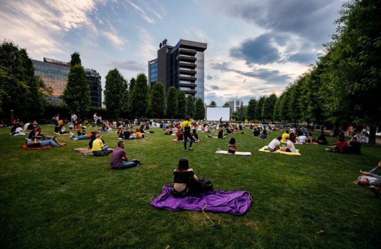 """Evenimentul """"Movie Nights"""" din Iulius Parc devine o tradiție printre cinefilii clujeni"""