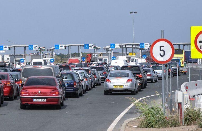 Aglomerație mare la frontieră. Peste 100.000 de români au trecut granița, în ultimele 24 de ore