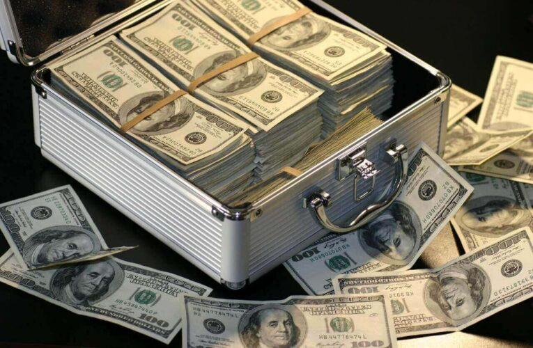 Ai nevoie de bani? Iată 4 situații când NU ar trebui să apelezi la un credit!