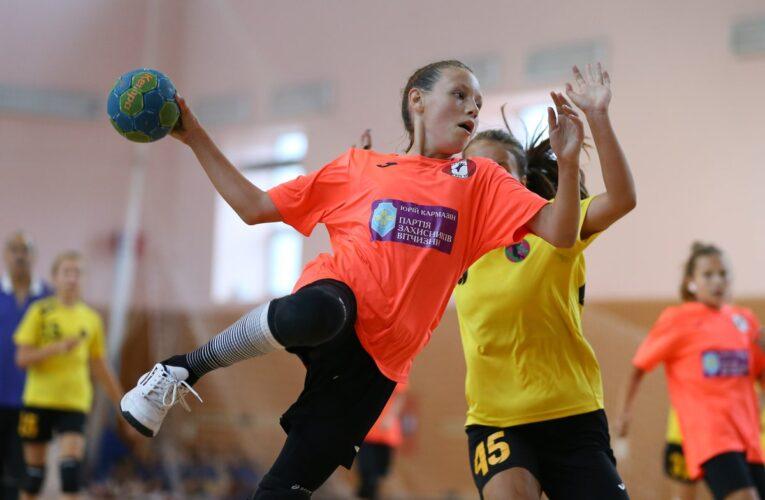 Cum ii pregatesc sporturile de echipa pe copii pentru viata de adult – Stiai ce beneficii au aceste activitati?