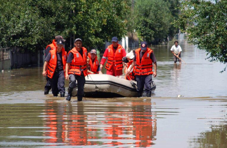 13 bazine hidrografice din România, sub cod galben și cod portocaliu de inundații