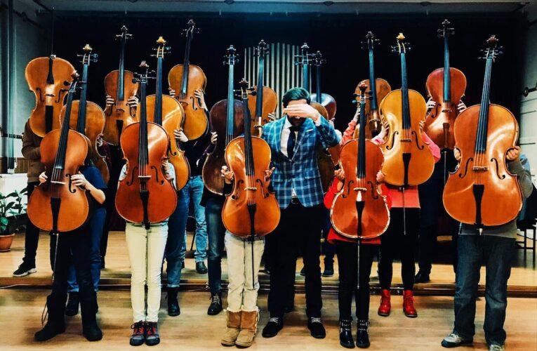 O orchestră din Cluj atacă COVID-ul cu muzica clasică, într-un concert caritabil organizat în curtea spitalului Clujana