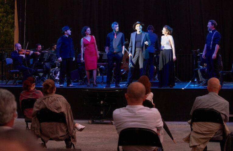 Teatrul Maghiar de Stat Cluj  continuă spectacolele pe malul Someșului