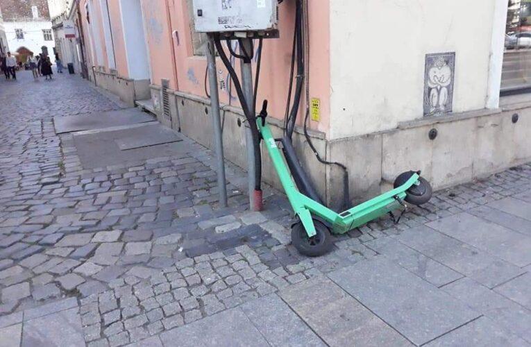 Nesimțire á la Cluj. Orașul a devenit un haos din cauza trotinetelor verzi de la Bolt – FOTO