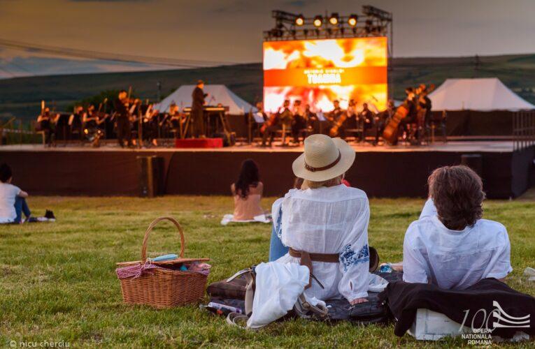 Vara muzicală continuă la Cluj! OPERA SUMMER HUB 2020 ne invită la Microstagiunea estivală în aer liber, pe parcursul lunilor august – septembrie!
