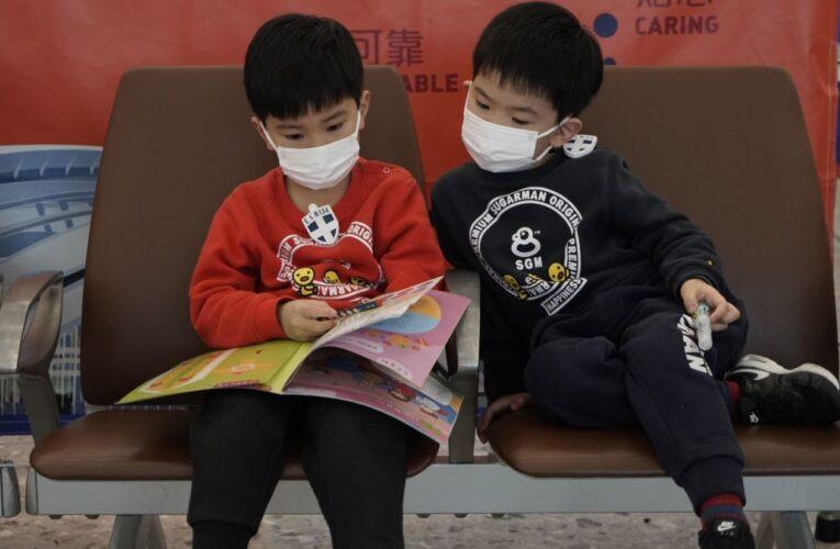 Studiu: Copiii mai mici de 5 ani pot transmite mai uşor noul coronavirus decât adulţii