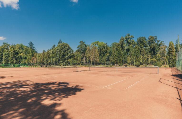 """Au fost reamenajate și modernizate terenurile de tenis din Parcul Sportiv """"Iuliu Hațieganu"""""""