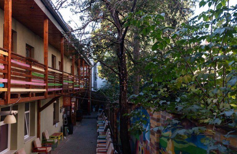 ZEN Hostel din centrul Clujului, scos la vânzare