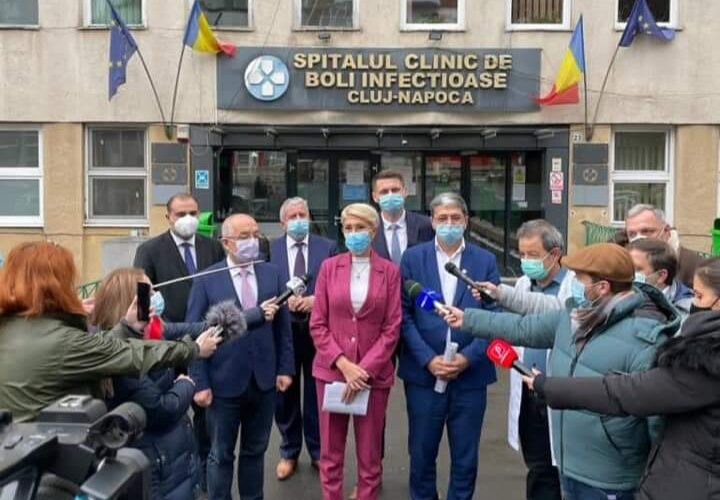 Vizita a trei miniștri din Guvernul Orban la Cluj a adus o investiție de 74,5 milioane de lei pentru sistemul de sănătate clujean