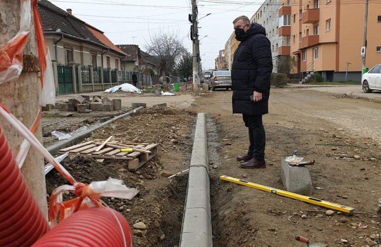 Marea asfaltare de 5 milioane de euro a început la Câmpia Turzii