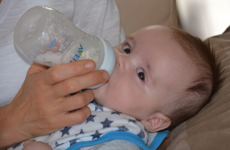 Cum alegi formula de lapte praf Topfer pentru bebeluşul tău