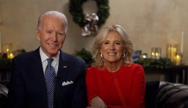 """Mesajul președintelui ales al Americii, Joe Biden, alături de soția sa, Jill Biden, de Crăciun: """"În curând vor veni zile mai fericite"""""""