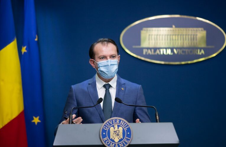 Premierul Cîțu anunță creșterea pensiilor și salariilor începând cu 2021
