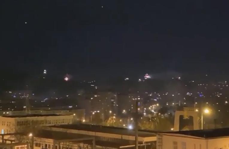 La mulți ani, 2021! Artificiile au luminat cerul Clujului chiar și în pandemie – VIDEO